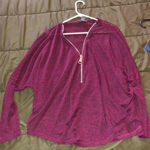 Tops - Super cute maroon sweater